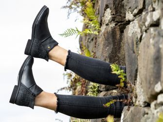 Eilidh Tweed Boots (Black - UK 4-8)