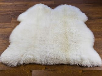 NATURAL WHITE DOUBLE SIDE BY SIDE 105X110CMS SHEEPSKIN RUG/THROW
