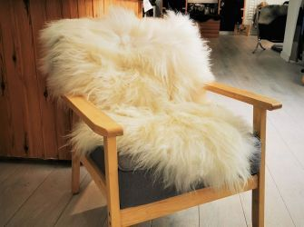 Norwegian Spaelsau Sheepskin in White