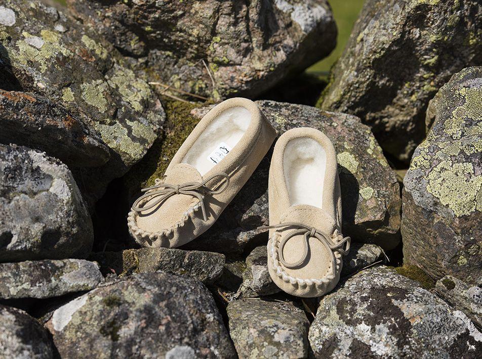 Beige Children's Slippers wool and sheepskin