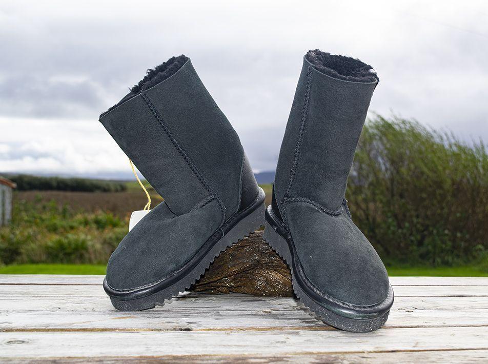 Celt Boot in Black size 8