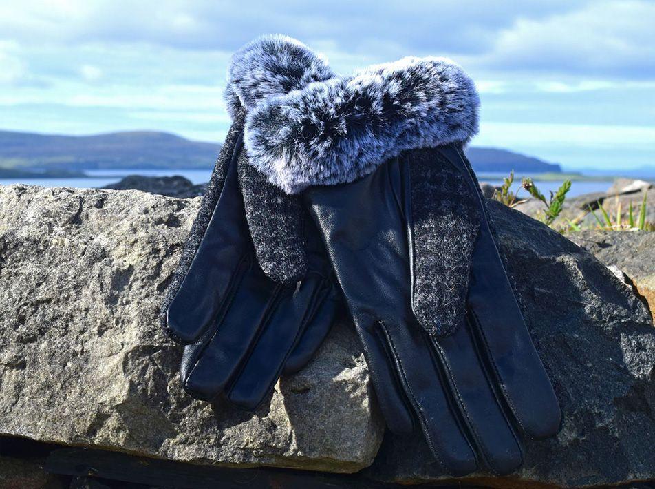 Ladies' Harris Tweed Fur Trim Gloves black