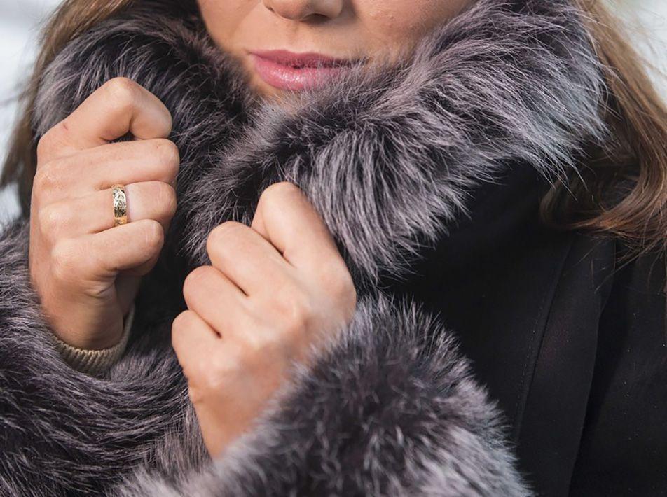 MAGDA BRISA TOSCANA COAT black close-up