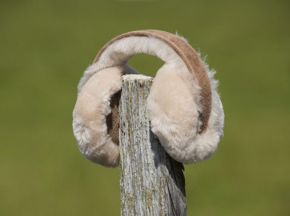Sheepskin ear muffs chestnut