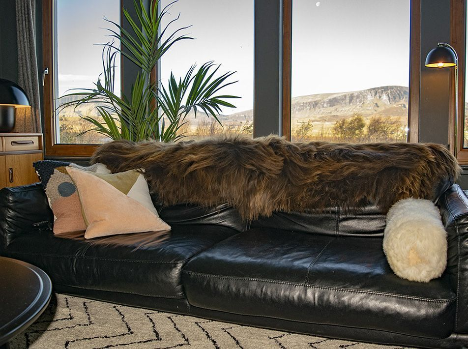 ICELANDIC RUSTY BROWN END-TO-END SHEEPSKIN RUG/THROW