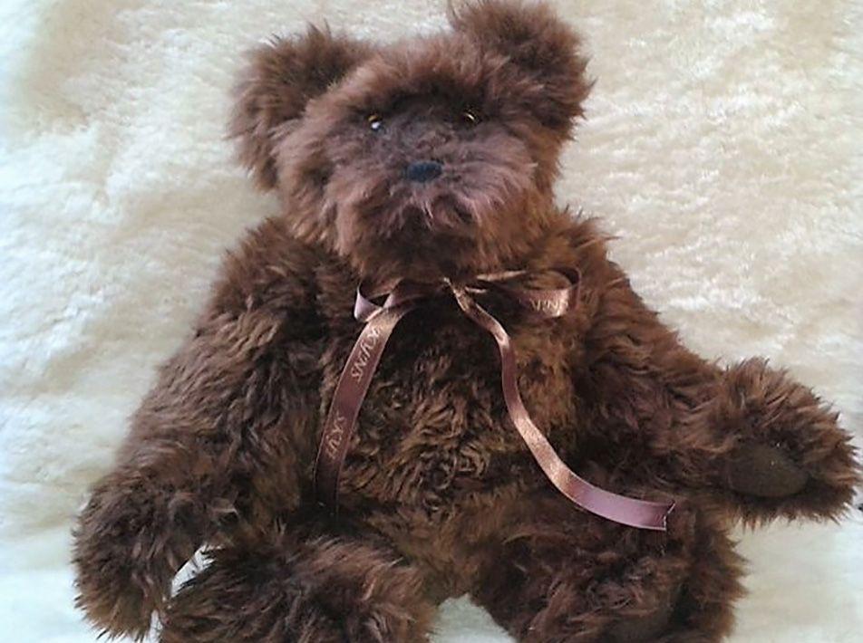 Fin Brown Bear