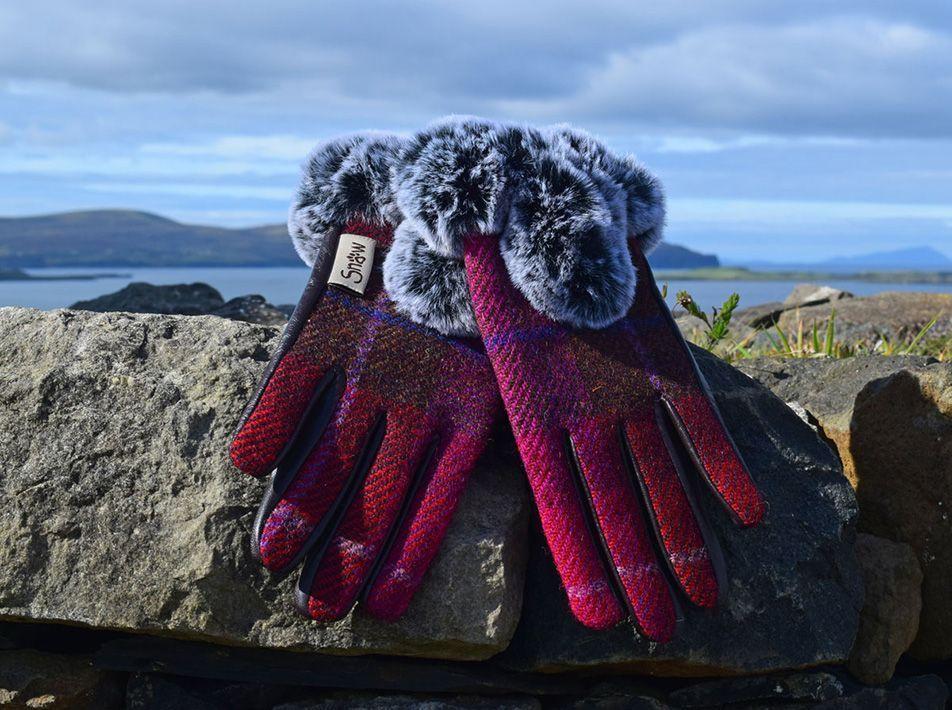 Ladies' Harris Tweed Fur Trim Gloves fuschia