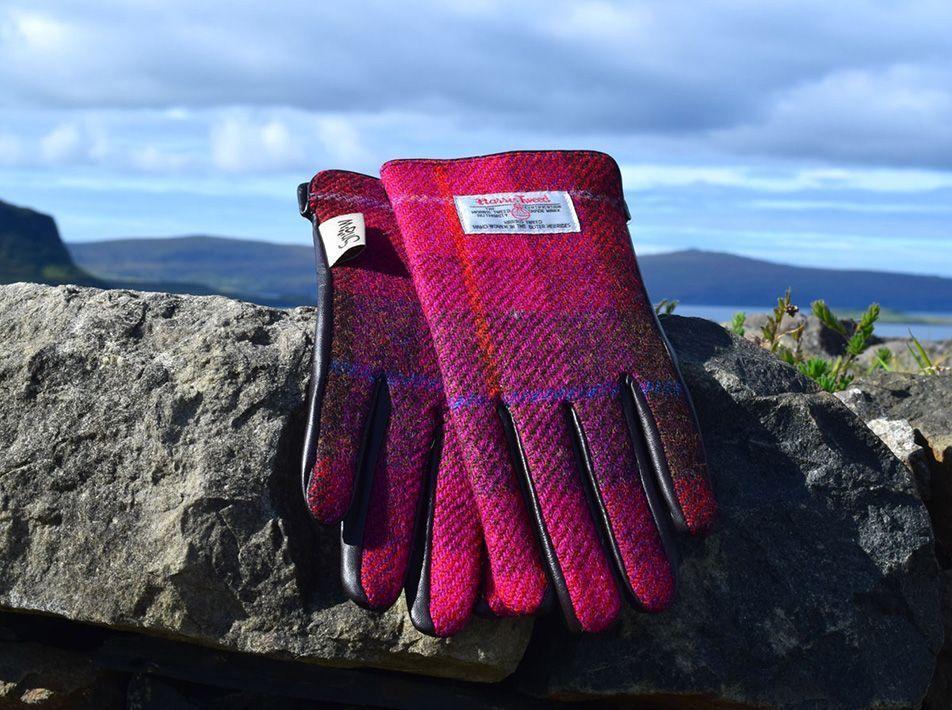 Ladies' Harris Tweed Gloves Fuschia