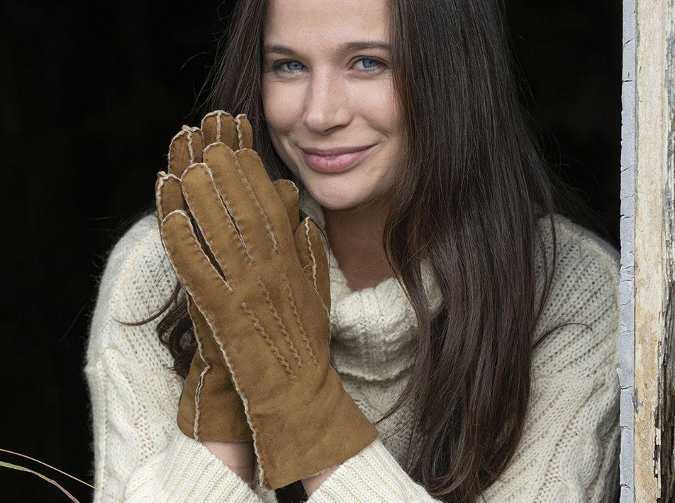 Ladies' sheepskin gloves tan