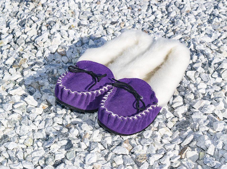 Ladies' Wool Lined Slippers plum