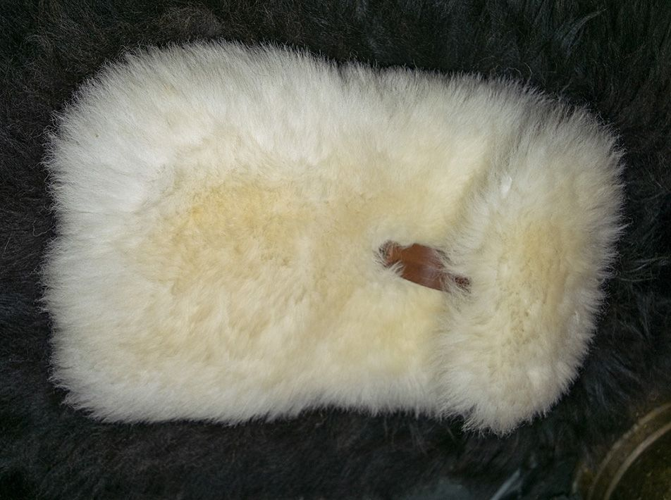 Small Snuggle in Mimosa-tanned Sheepskin