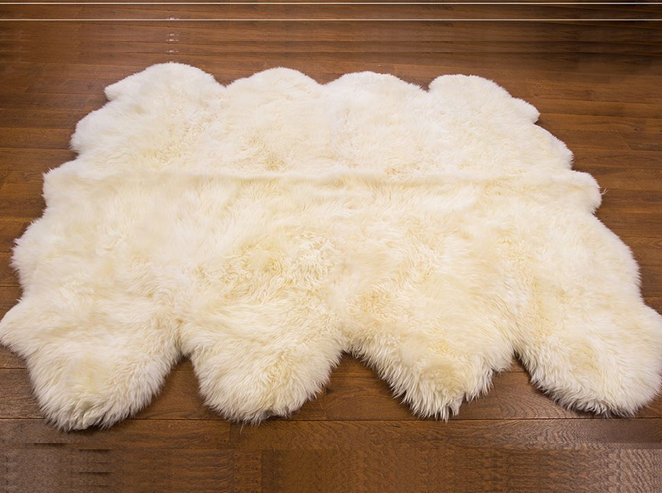 NATURAL WHITE OCTO 190X190CMS SHEEPSKIN RUG