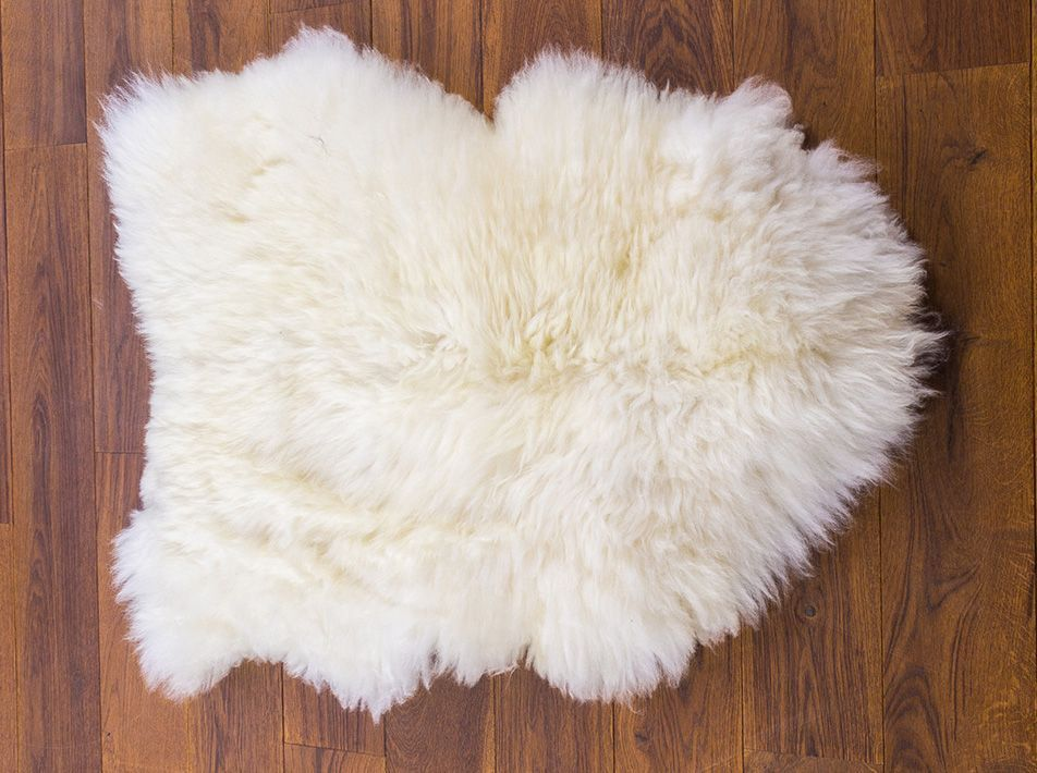 Large Sheepskin Pet Mat wite