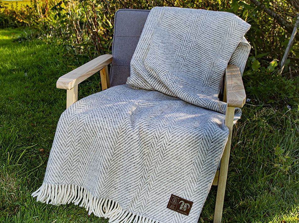 Jacob Classic Blanket in Silver
