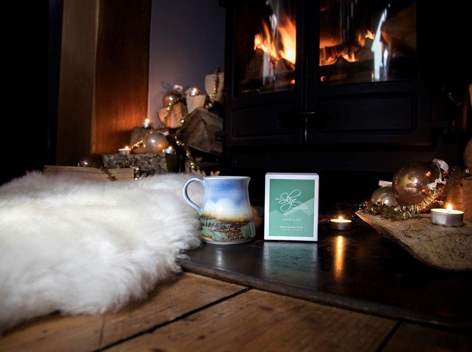 Skye Hygge Gift Bundle - White sheepskin with Spruce & Fir Candle
