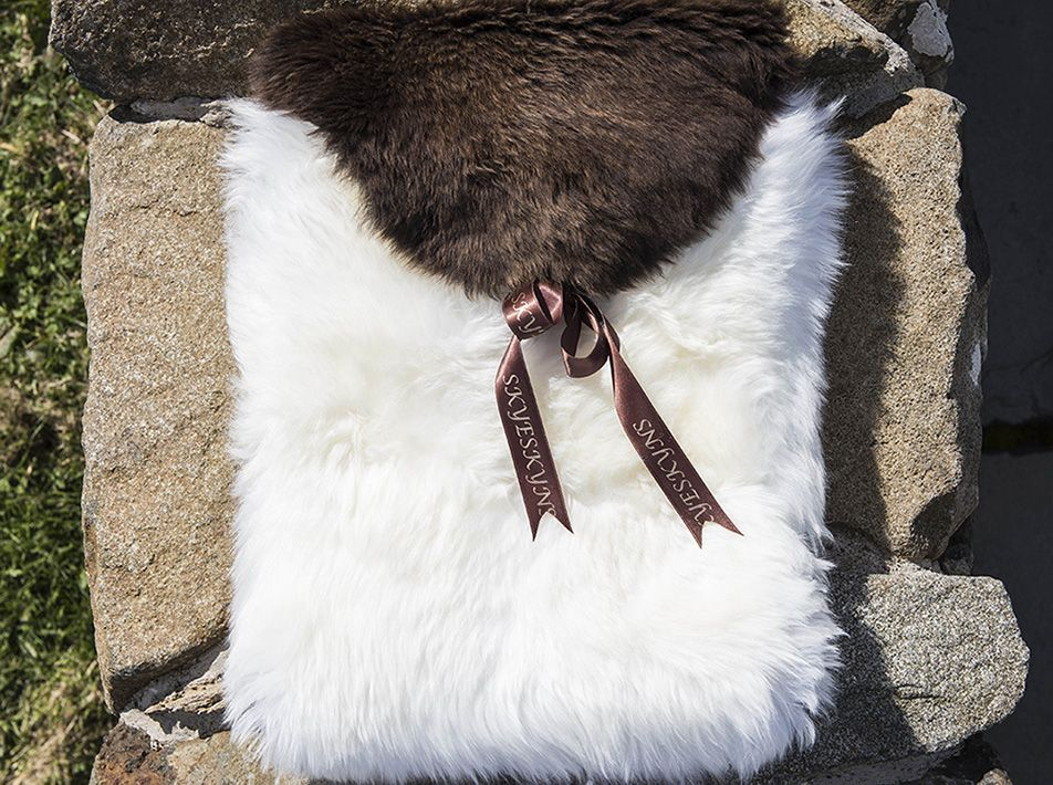 Large Sheepkin Snuggle - White with Brown Lid