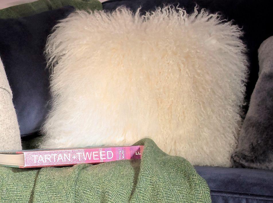 Yeti Sheepskin Cushion white